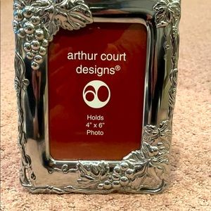 🌷ARTHUR COURT GRAPES PICTURE FRAME HOLDS 4x6